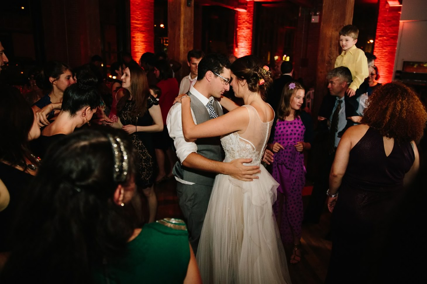 059-nyc-dumbo-loft-brooklyn-wedding-photographer-smitten-chickens-photo-.jpg