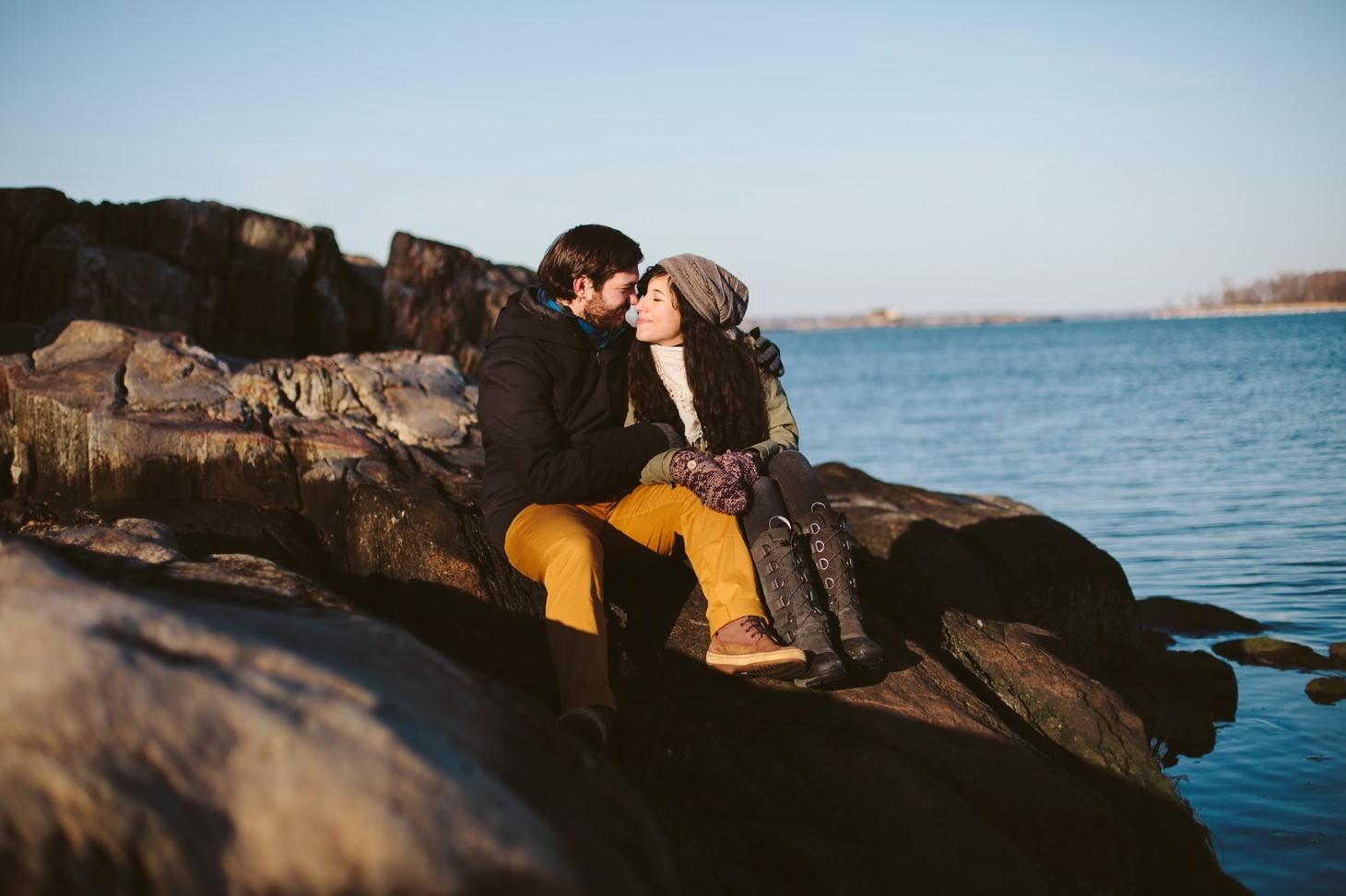034-nyc-wedding-photographer-orchard-beach-bronx-engagement-winter-smitten-chickens.jpg