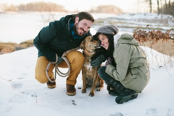 nyc-winter-engagement-photos-offbeat-wedding-photographer-003.jpg