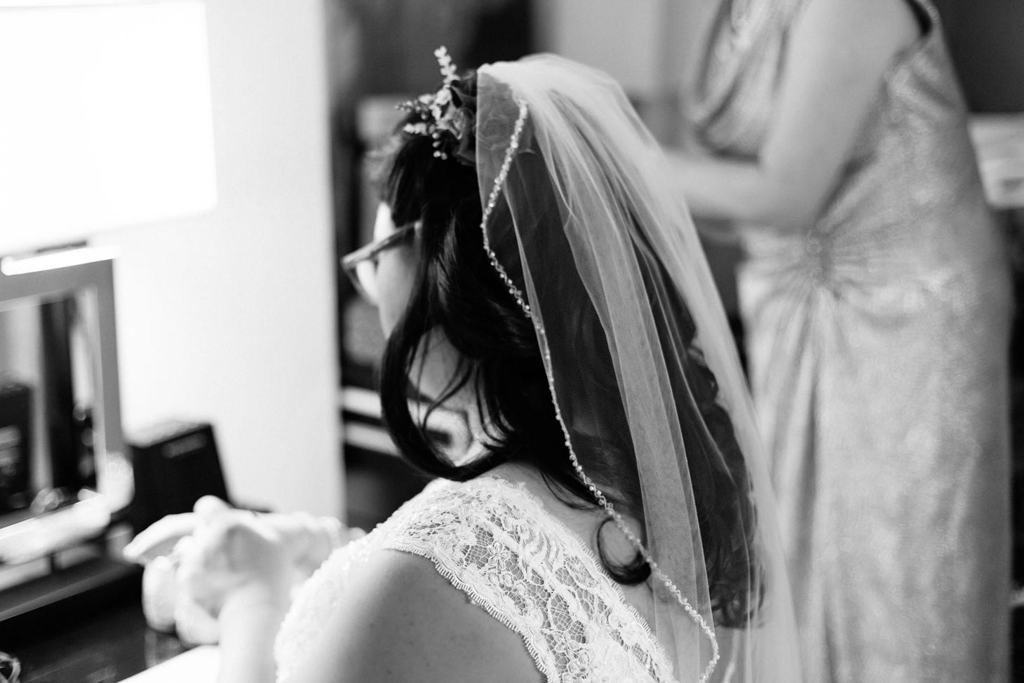 015-nyc-wedding-portrait-photographer-times-square-muse-hotel-winter-wedding-smitten-chickens.jpg