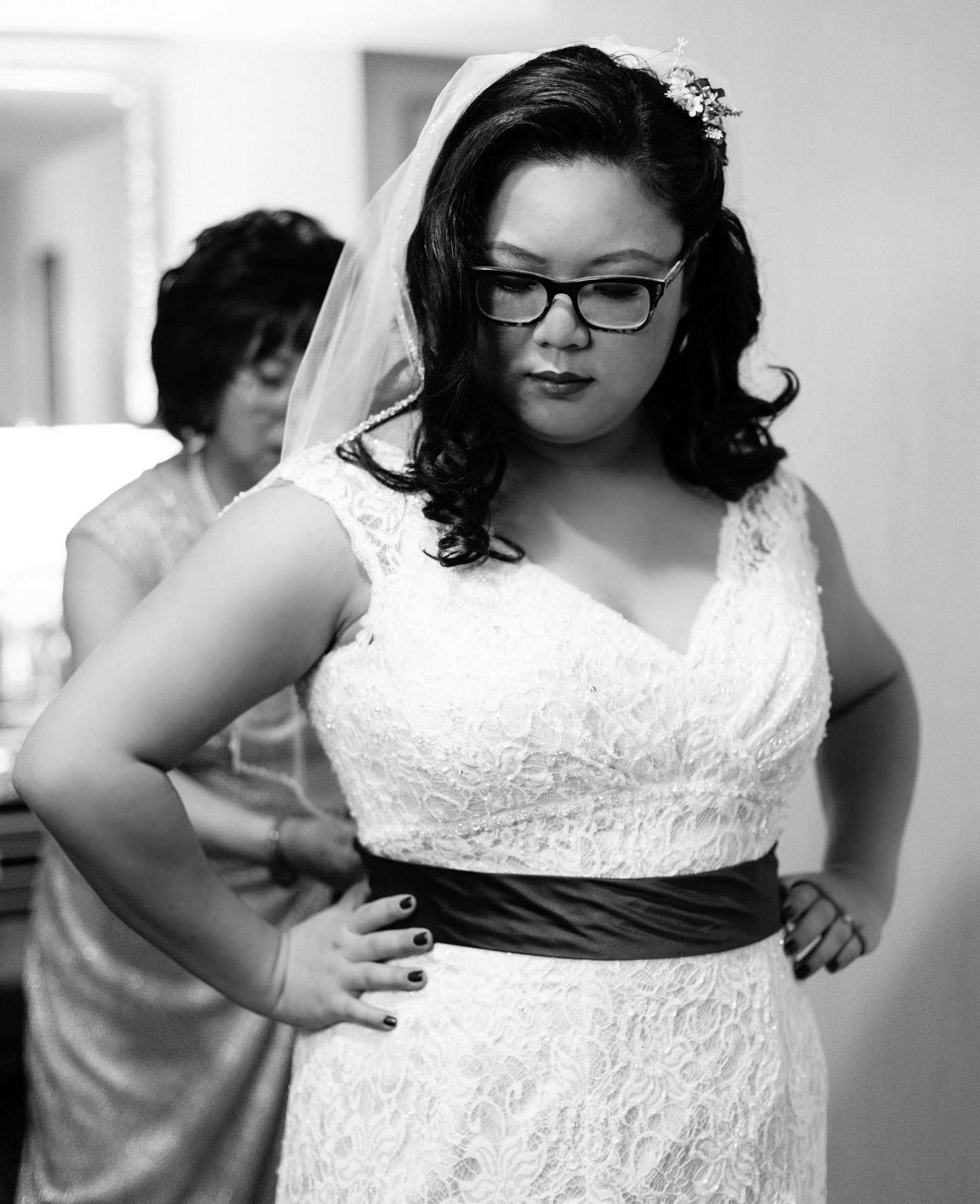 017-nyc-wedding-portrait-photographer-times-square-muse-hotel-winter-wedding-smitten-chickens.jpg