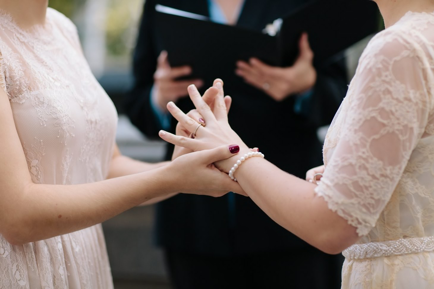 005-nyc-wedding-elopement-lgbt-friendly-photographer-city-hall-grand-central.jpg