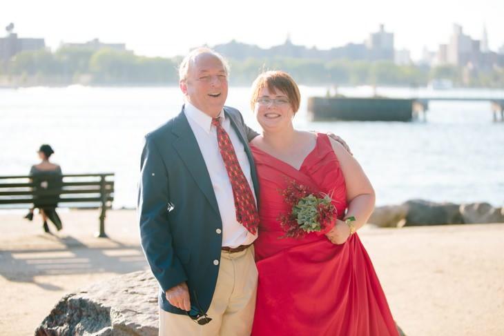 nyc-wedding-photographer-grand-ferry-park-williamsburg-offbeat-017.jpg