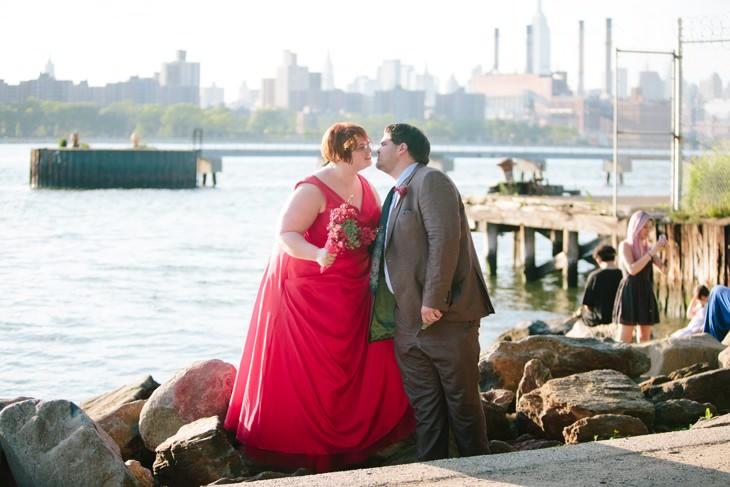 nyc-wedding-photographer-grand-ferry-park-williamsburg-offbeat-019.jpg
