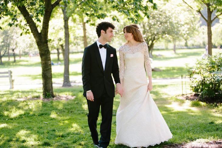 nyc-wedding-photographer-botanic-garden-offbeat-012.jpg
