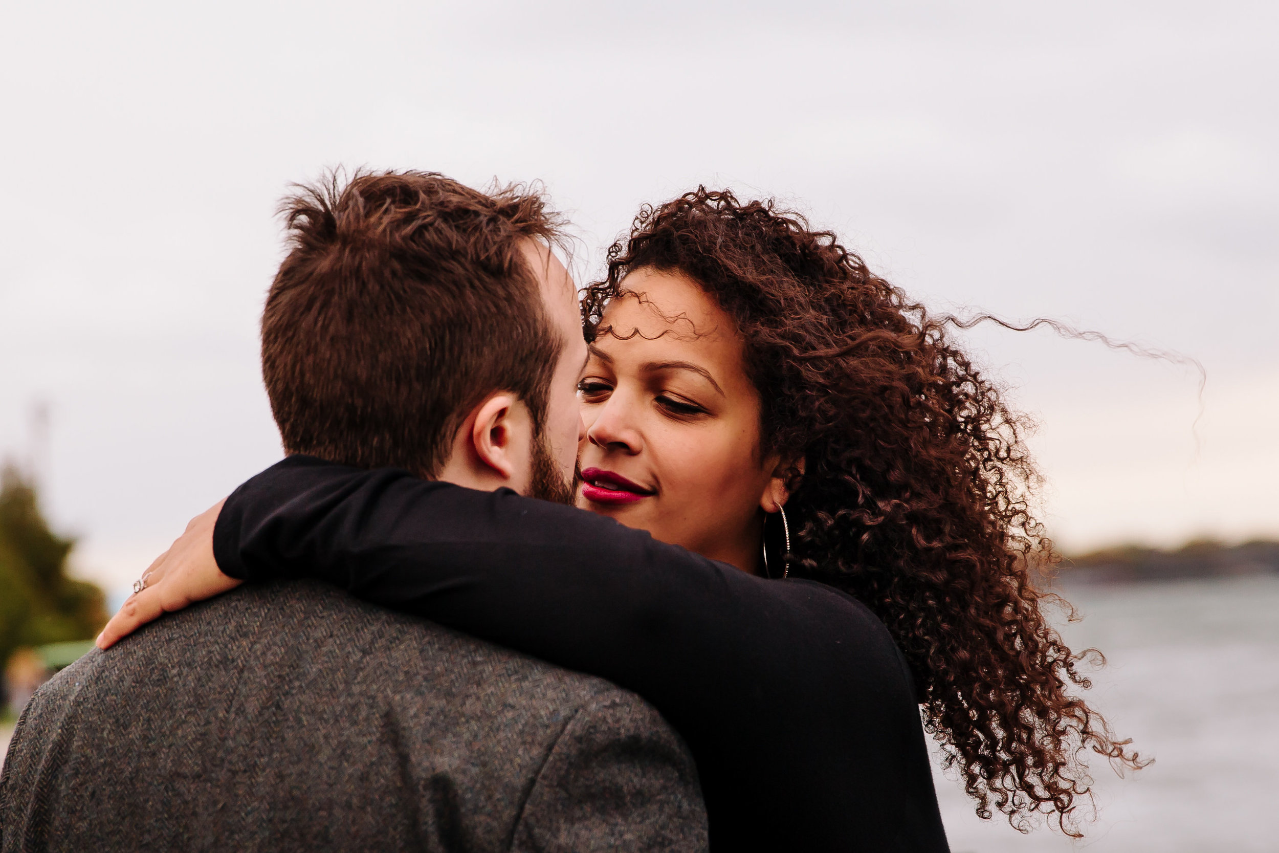 nyc-ferry-brooklyn-bridge-engagement-photos-sarahhoppes.jpg