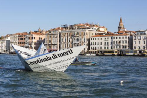 Image above: Vik Muniz (Brazilian, born 1961),Lampedusa, 2015.Floating installation,138 x 208 x 512 inches.Photo: Vik Muniz