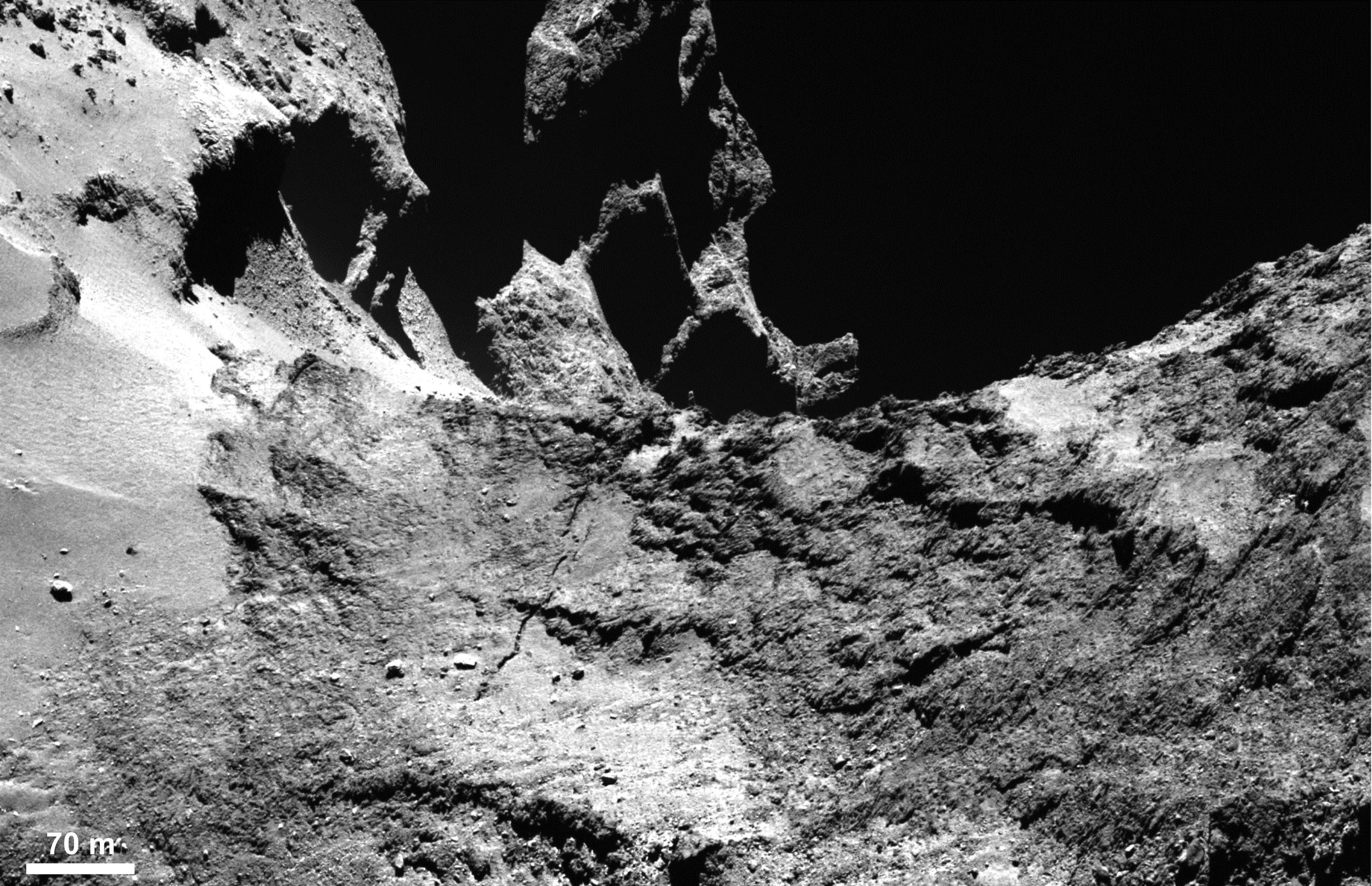 Image Above: Crack extension in Anuket. 22/01/2015 8:00 pm. ESA/Rosetta/MPS for OSIRIS Team MPS/UPD/LAM/IAA/SSO/INTA/UPM/DASP/IDA
