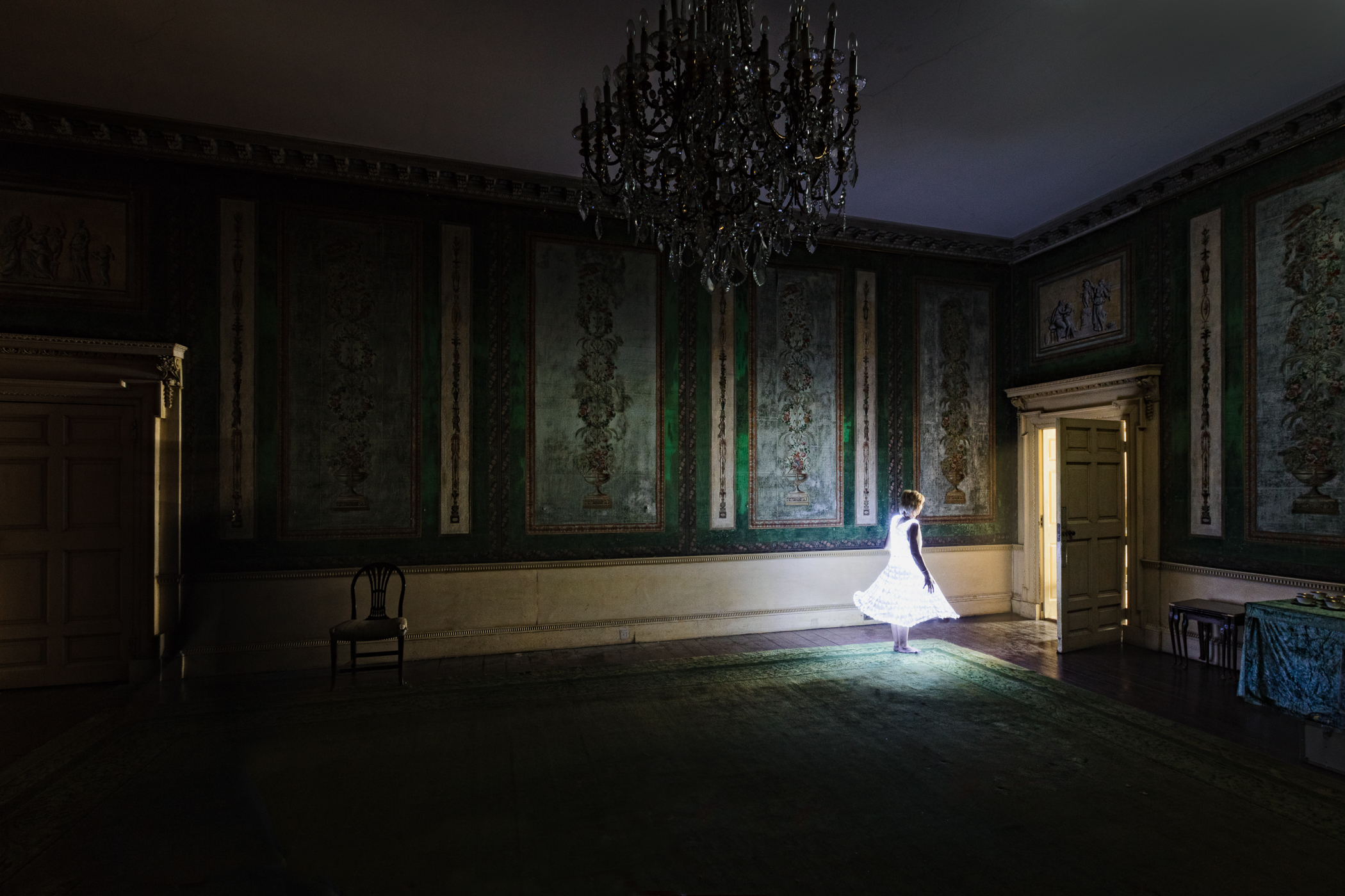 © Adrien Broom, The Green Room.