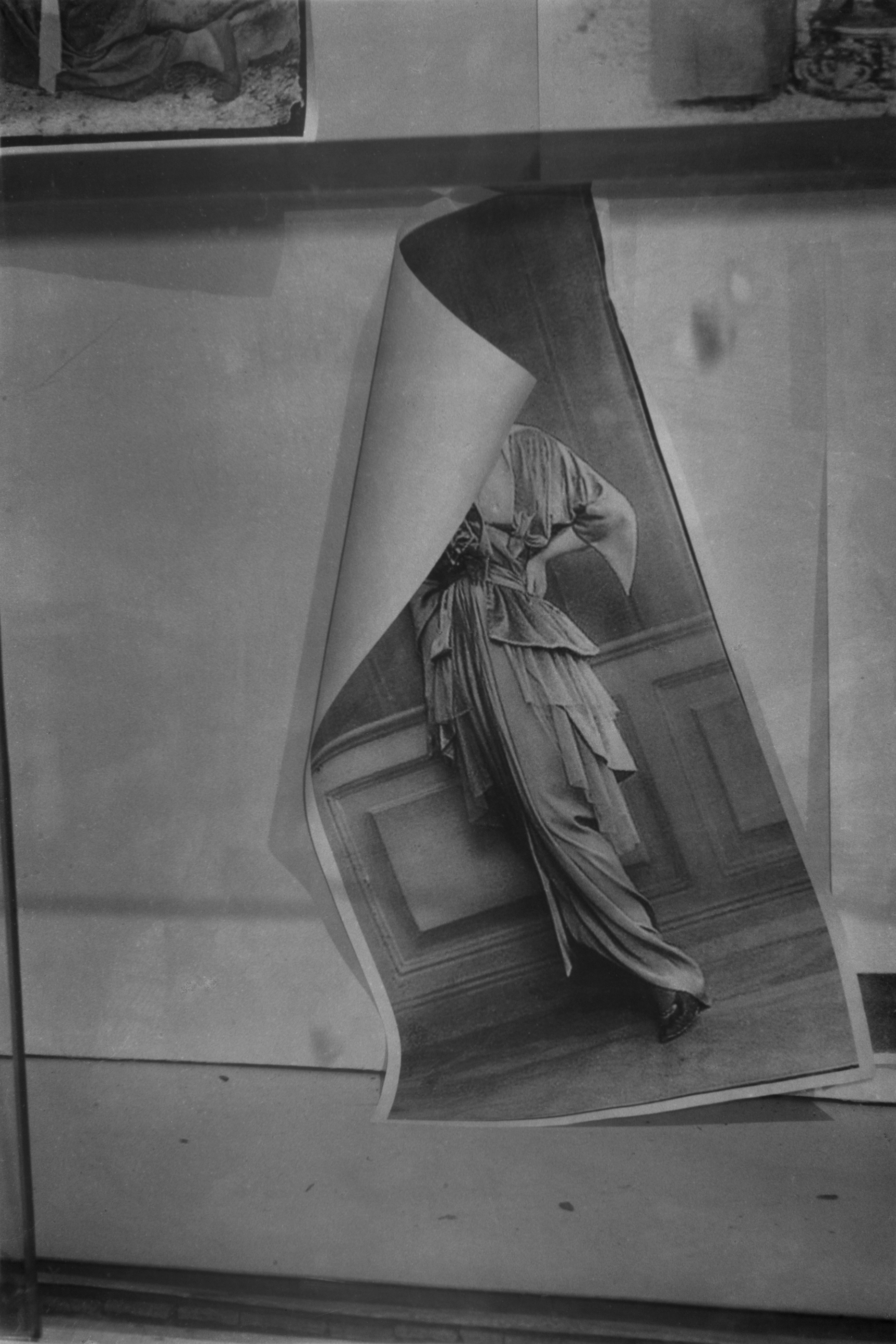 L.V.-V.L.-(3)-2016 , 2016 180 x 120 cm, gelatin silver print © Dirk Braeckman / Courtesy of Zeno X Gallery, Antwerp