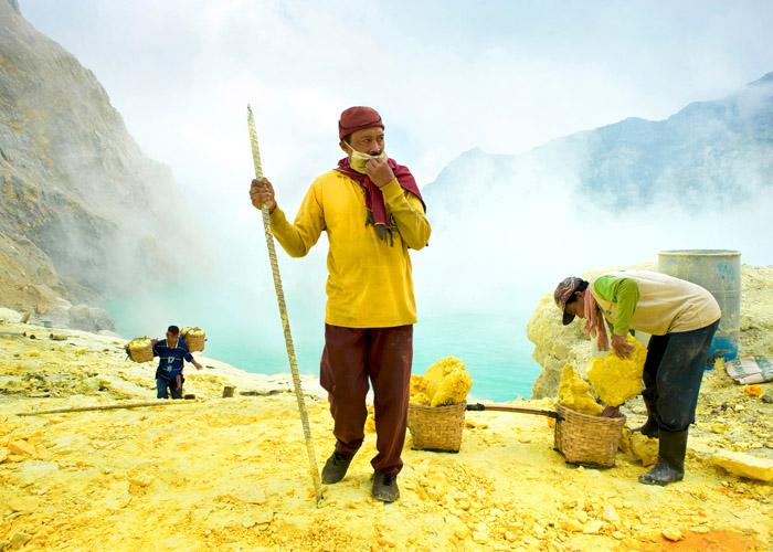 Sulfur's Slaves © Valerie Leonard