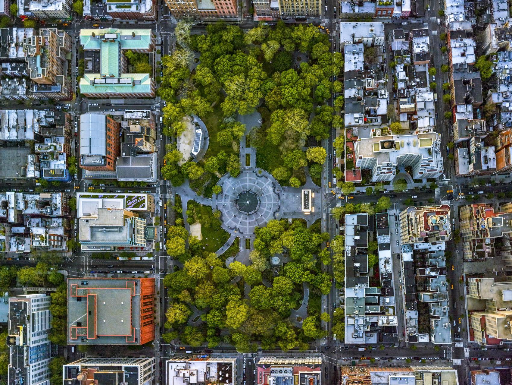 Washington Square Park, LA NY. Jeffrey Milstein © 2017