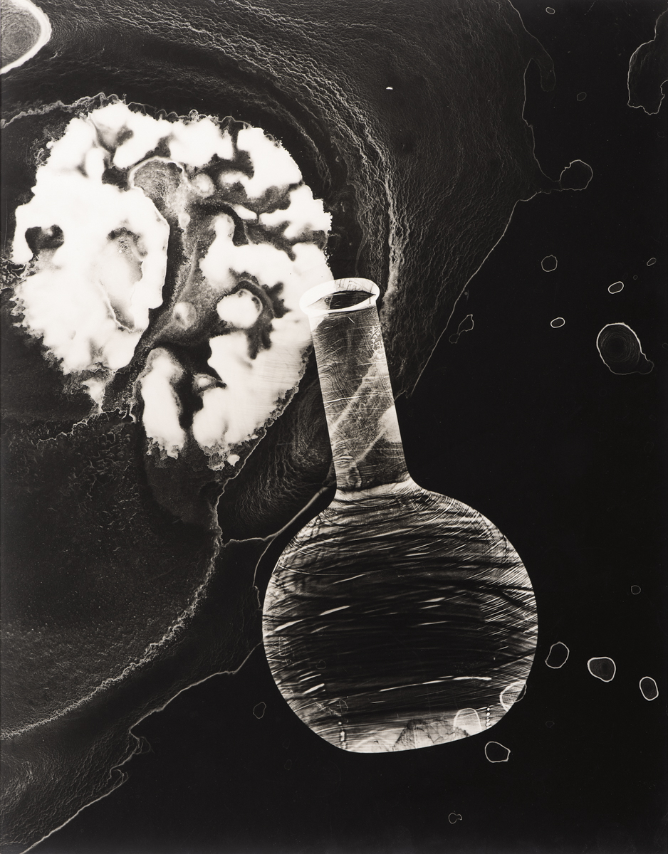 Josef Breitenbach. Penicillin ,© 1946-49. Gelatin silver print.