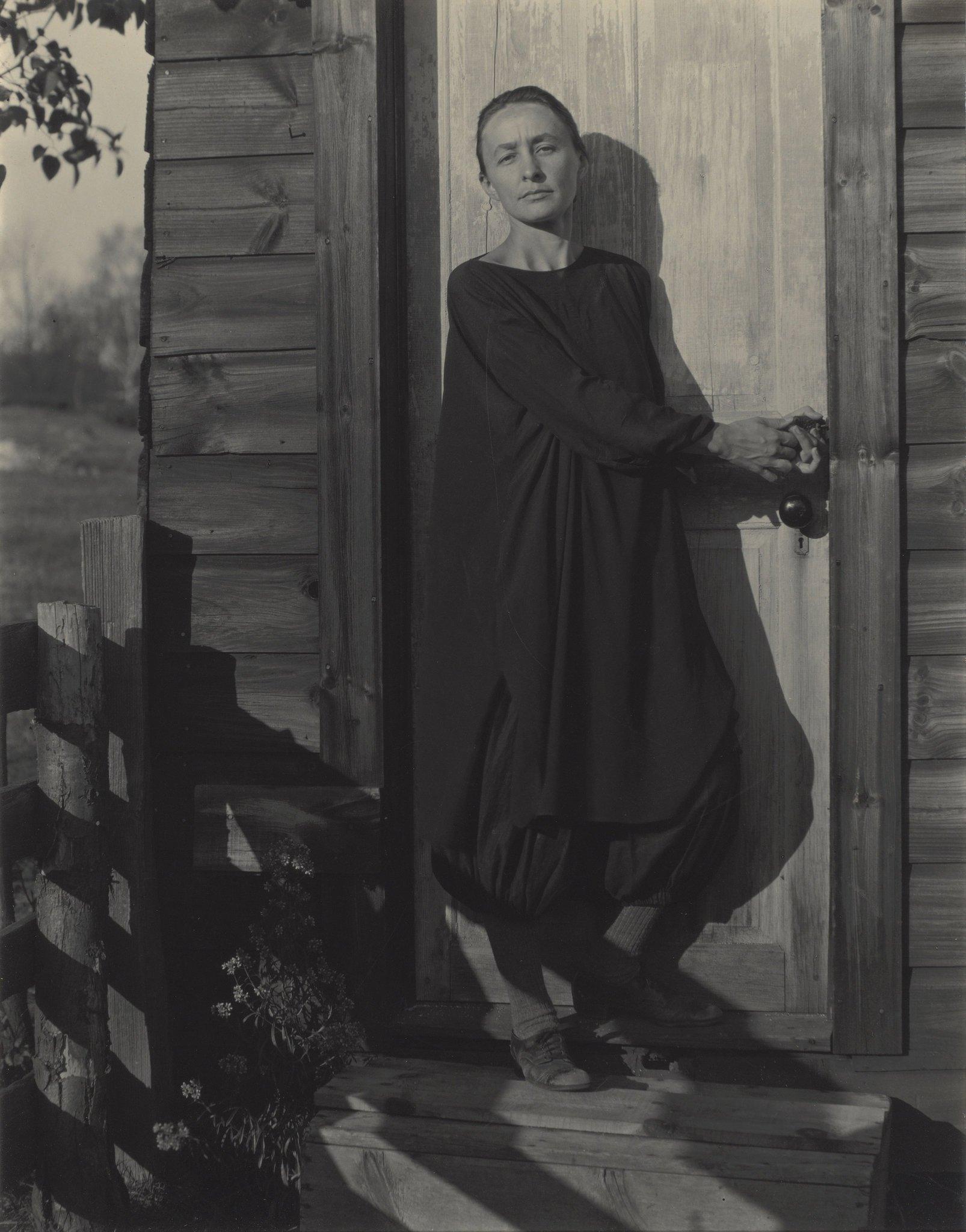 A photo of Georgia O'Keefe taken by Alfred Stieglitz in 1920.