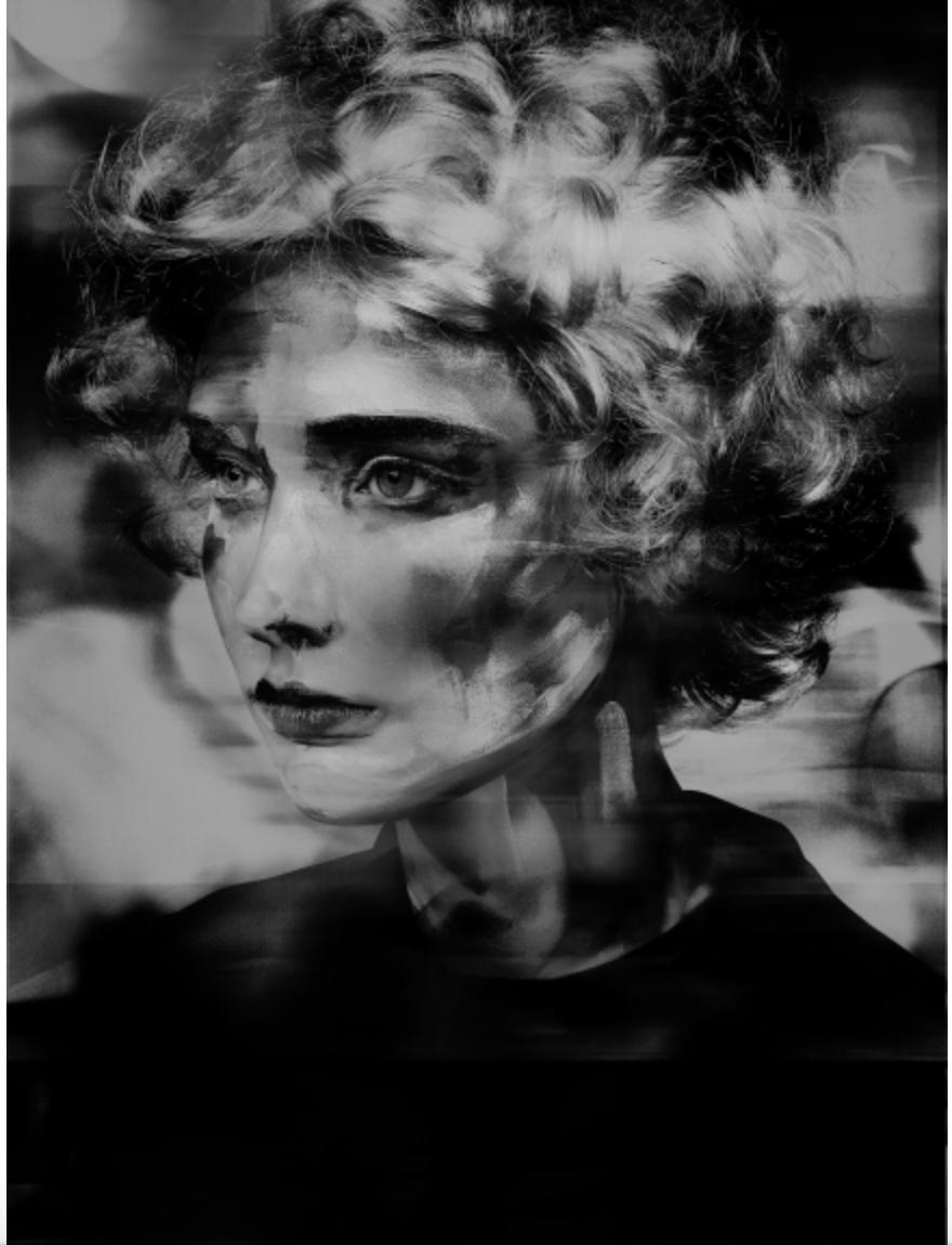 Lady Round Brush, 2017 © Valérie Belin, Courtesy of Edwynn Houk Gallery