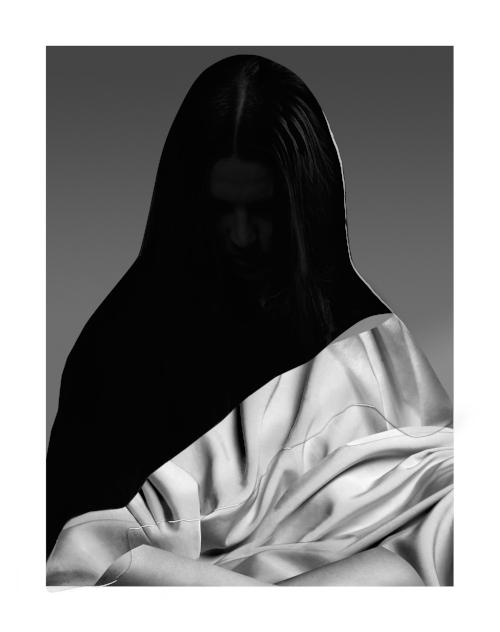 Drape,2015.Archival pigment print on Hahnemühle Photo  Rag Paper, Epoxy.43.5 x 50.5 cm