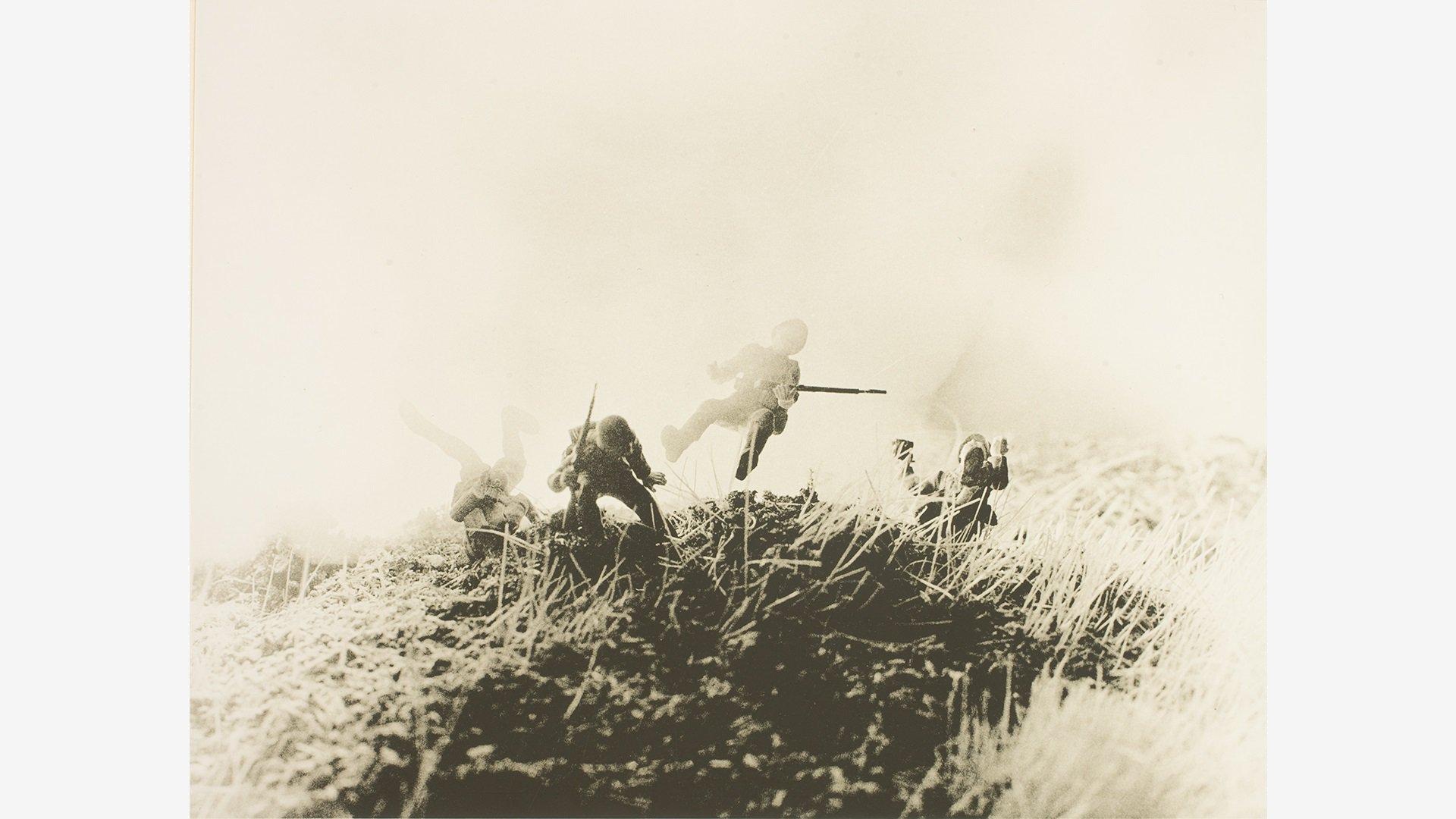 © DAVID LEVINTHAL: WAR, MYTH, DESIRE