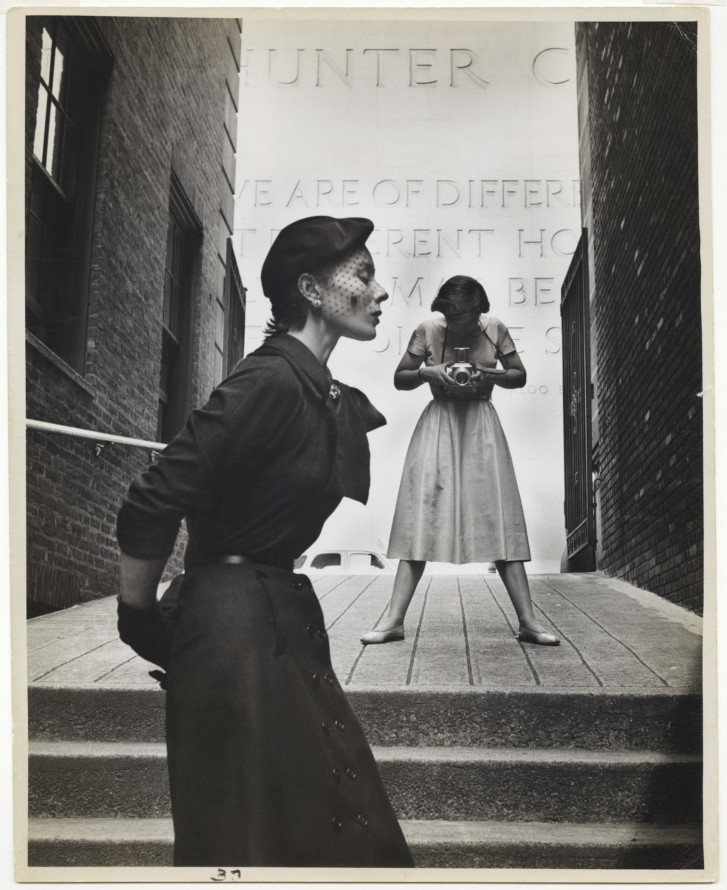 GORDON PARKS (American, 1912–2006), Bettina and Frances McLaughlin-Gill,New York, 1950. Gelatin silver print, 34.3 × 27.3 cm (131⁄2 × 103⁄4 in.) Collection of Beth Rudin DeWoody. Photograph by Gordon Parks / Courtesy of and © The Gordon Parks Foundation