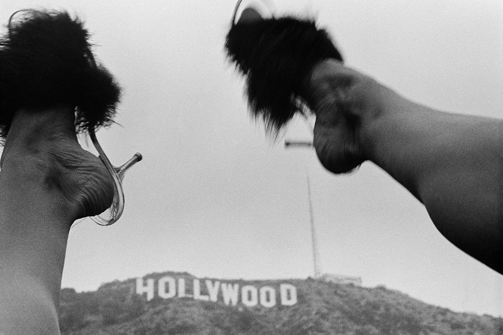 Hollywood Sign , 1975.© Jean Pagliuso; Courtesy of the artist and Mary Ryan Gallery, New York