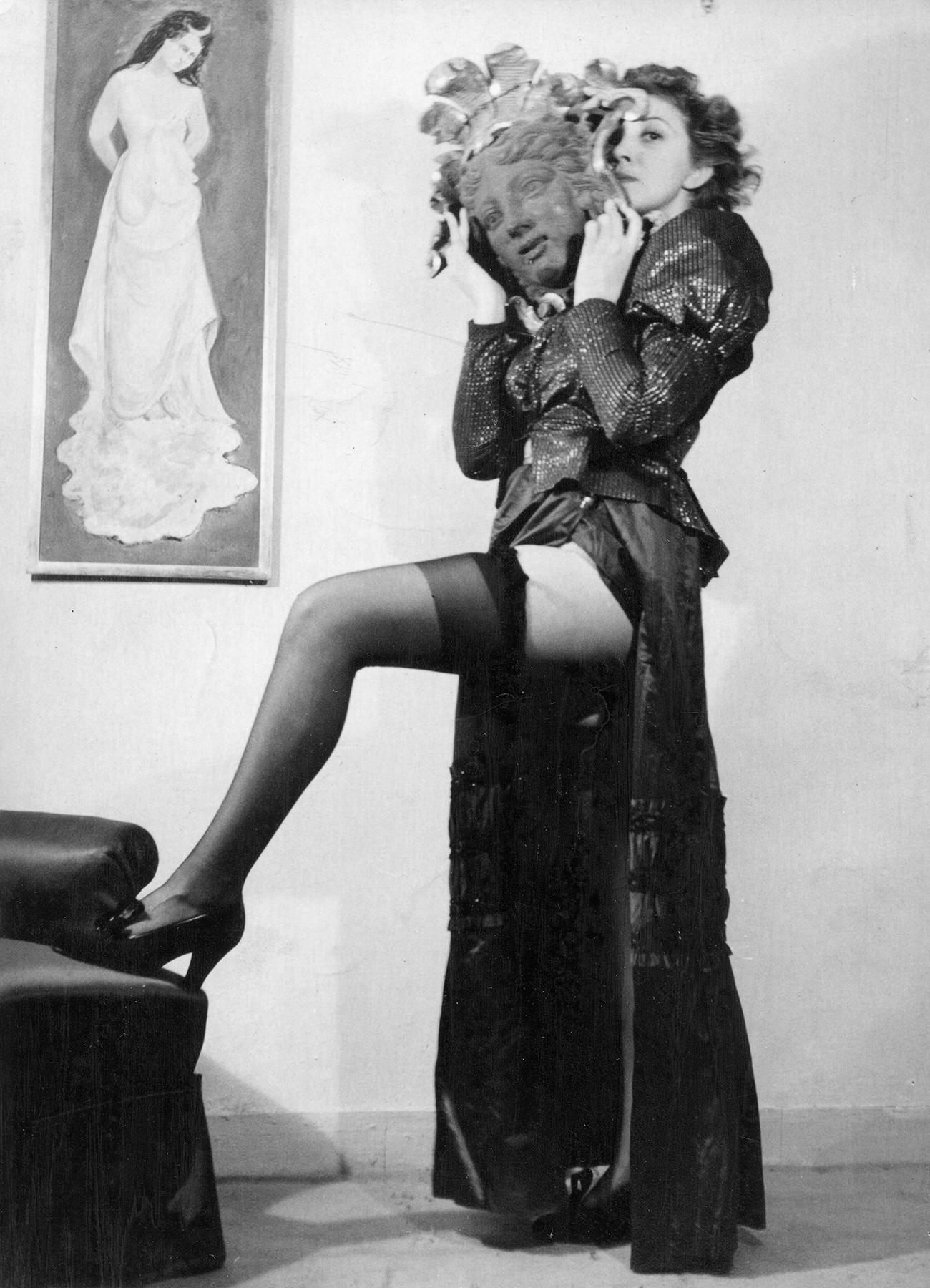 Unidentified photographer, Leonor Fini, 1934, Contemporary Print  Reproduced with permission of the Estate of Leonor Fini, Paris