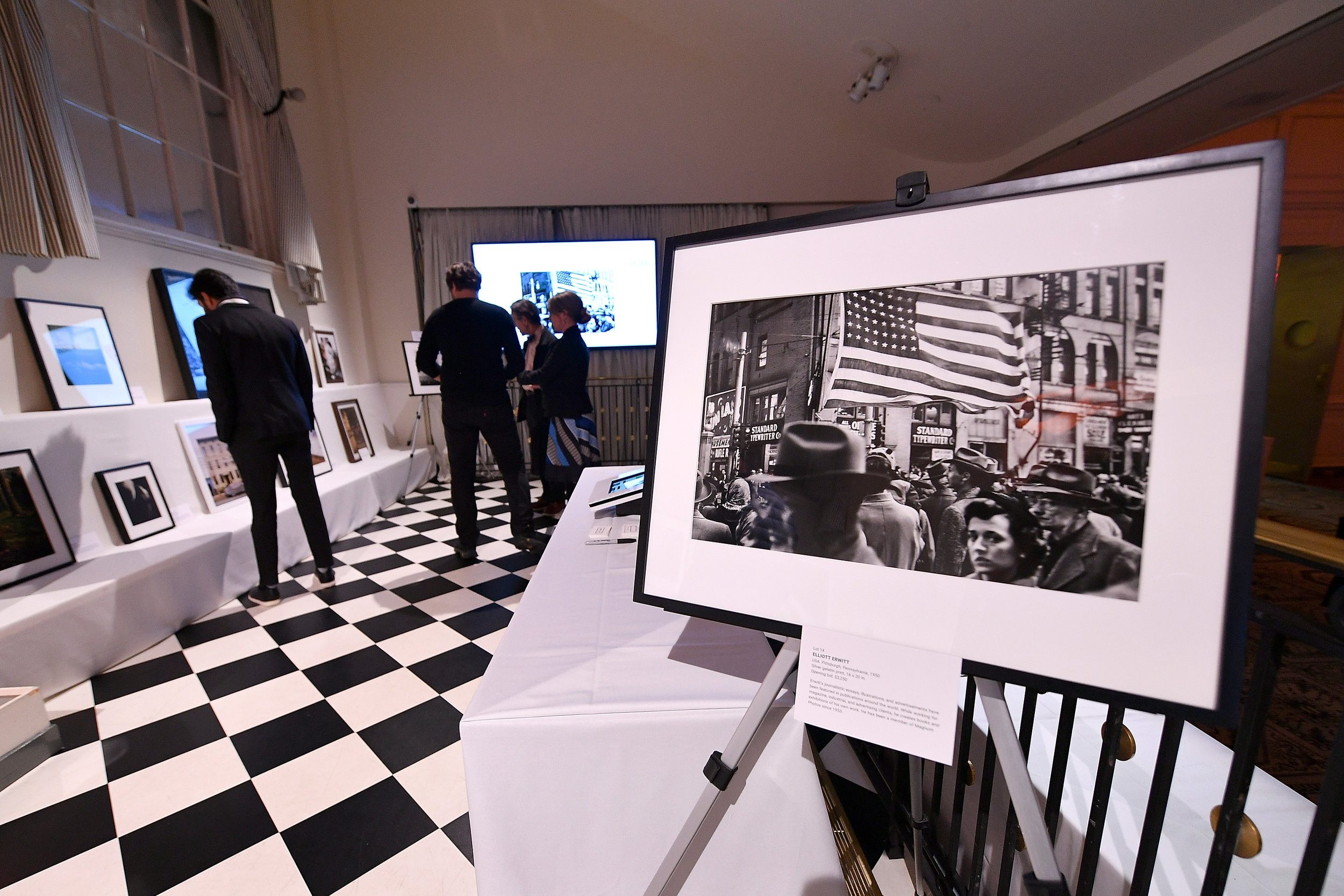 A view of the silent auction at the ICP Spotlights Luncheon Honoring Mickalene Thomas ©Getty Images for ICP