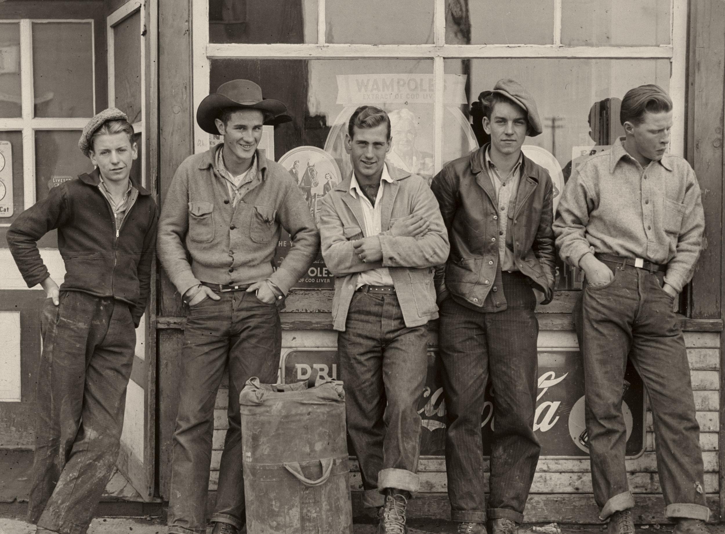 Drugstore Cowboys. 1945 © Gordon Parks