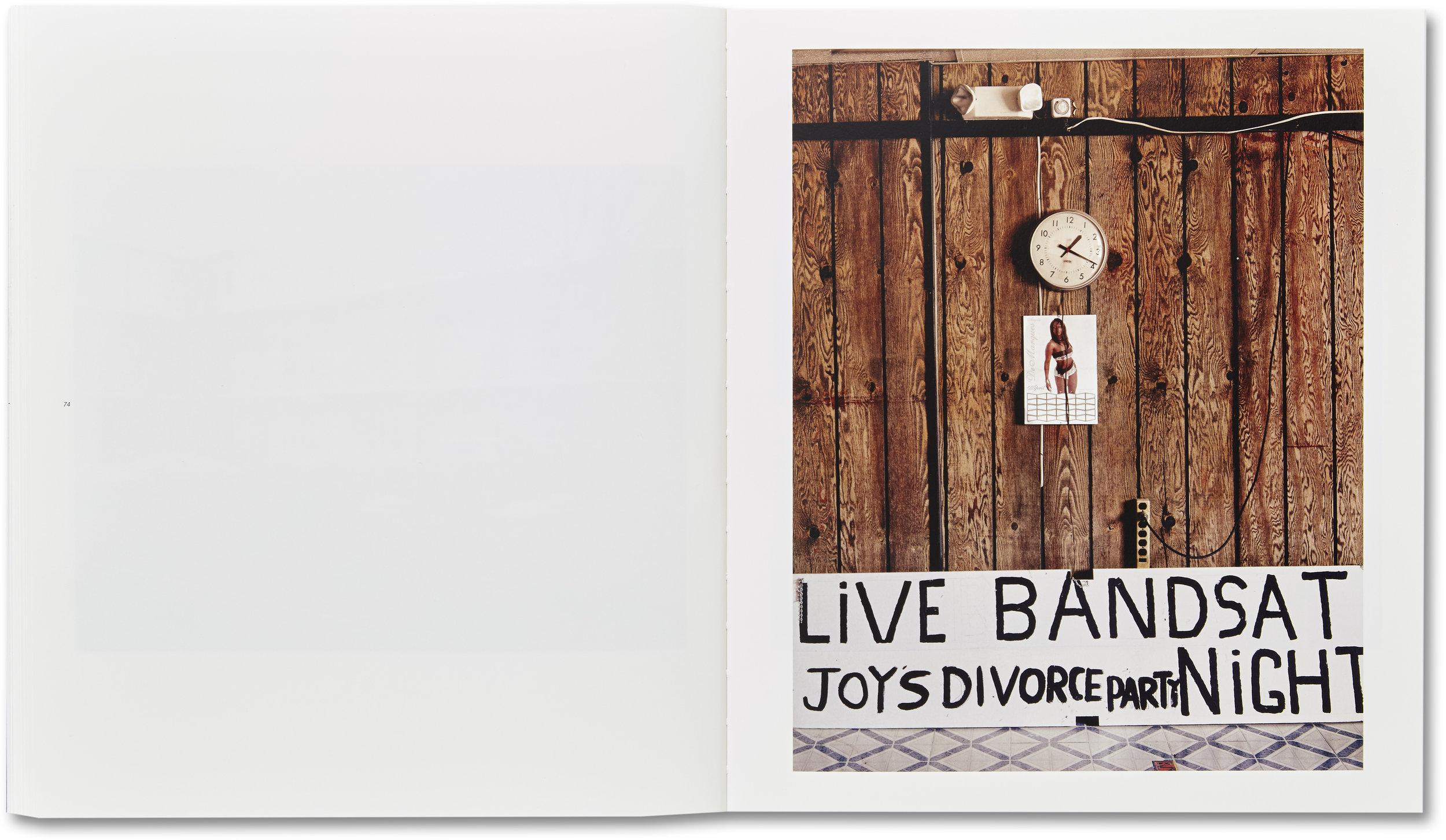 Joy's divorce party  © Alec Soth. Courtesy of MACK.