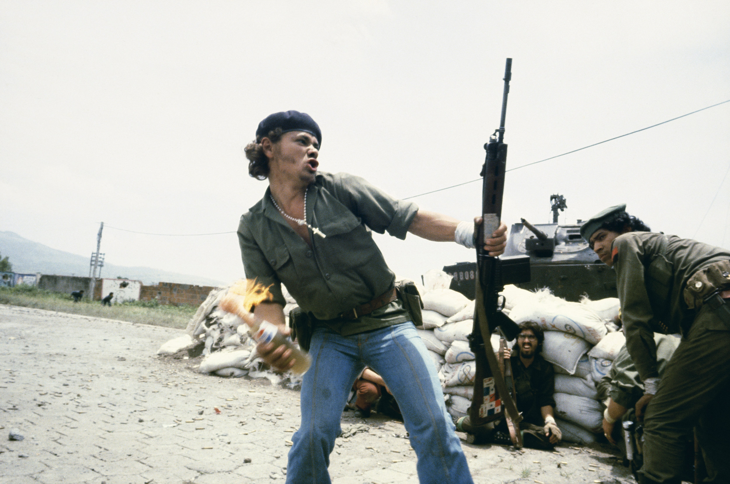 Sandinistas at the walls of the Esteli National Guard headquarters, Esteli, Nicaragua, 1979 © Susan Meiselas, 2018