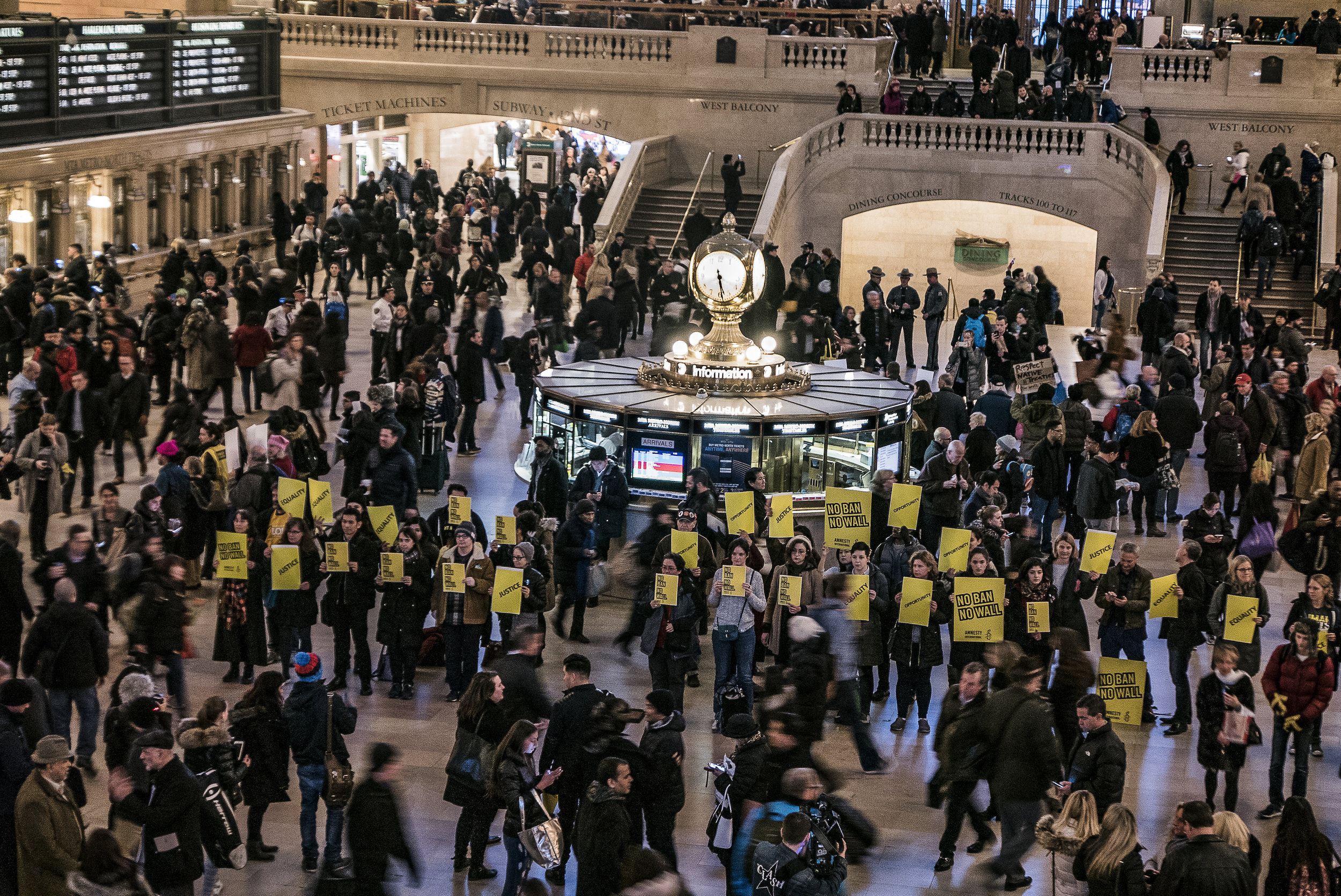 ©Ken Schles.  Amnesty International #NoBanNoWall Vigil, March 3 2017, Grand Central Terminal, NYC