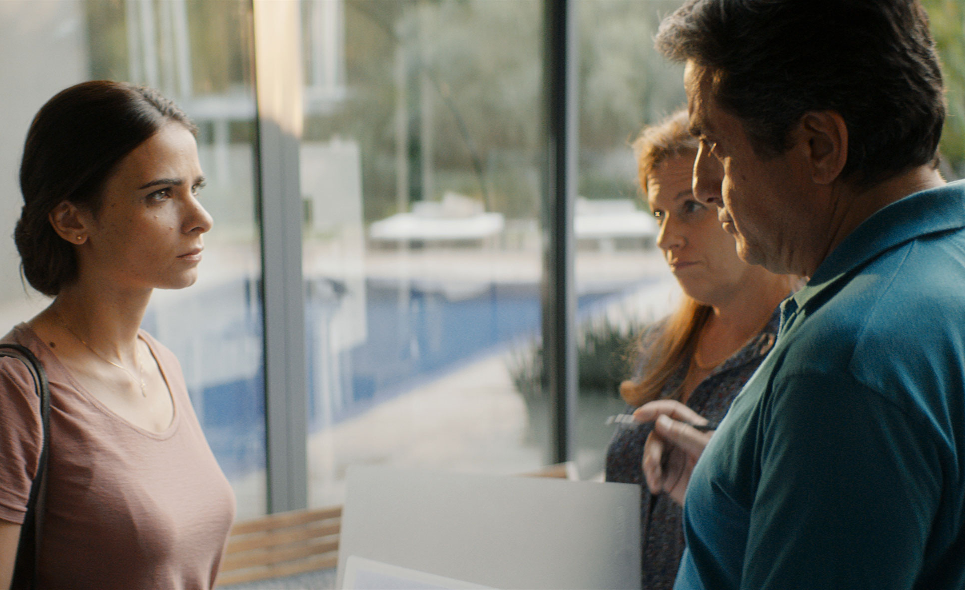 A scene from WORKING WOMAN. A film by Michal Aviad. A Zeitgeist Films release in association with Kino Lorber.