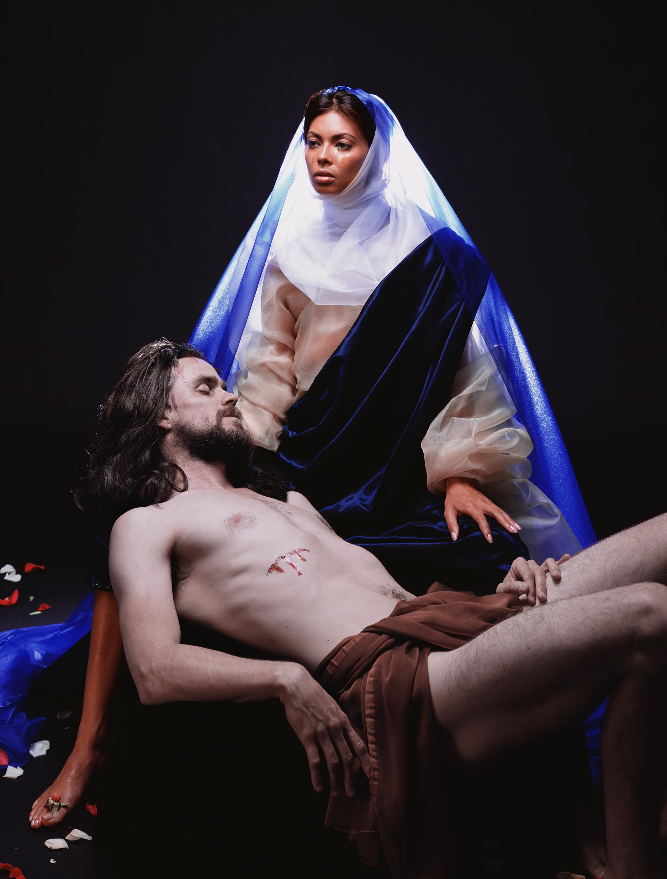 Pieta © Nika Nesgoda