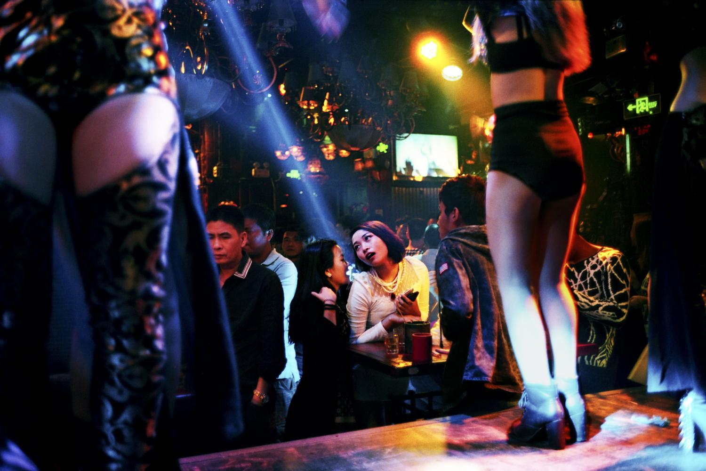 V8 Club. Taicheng, China © An Rong Xu