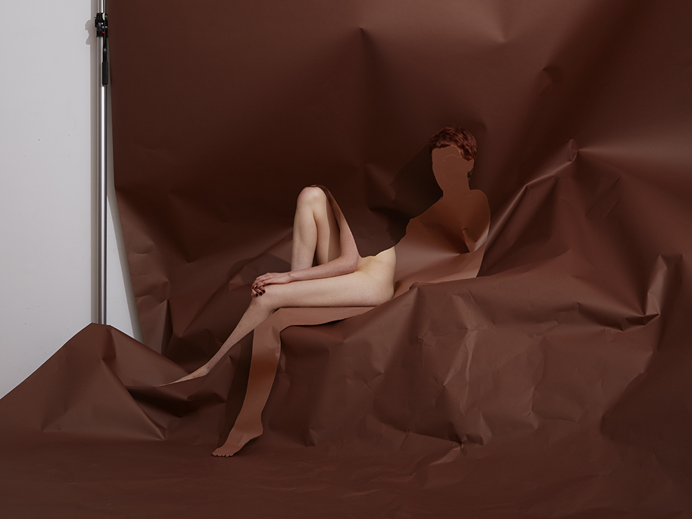 Alannah Reclined and Seated, Chestnut 2017 © Bill Durgin