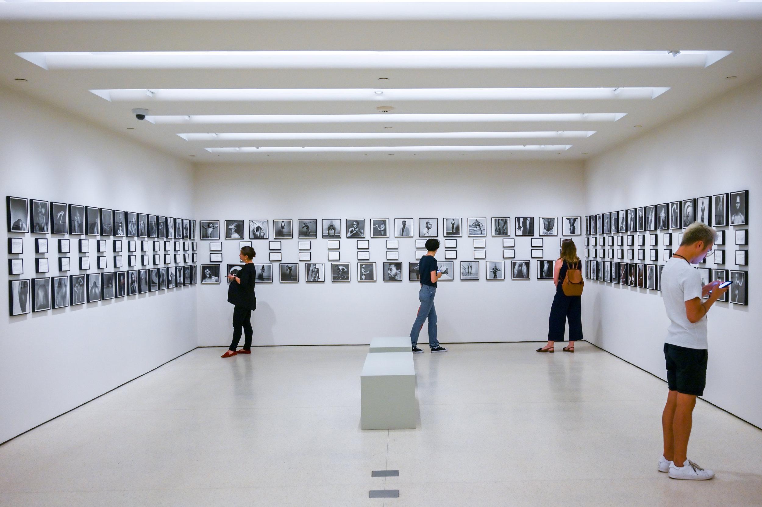 Glenn Ligon's installation about the perception of Mapplethorpe's work. © Federica Belli