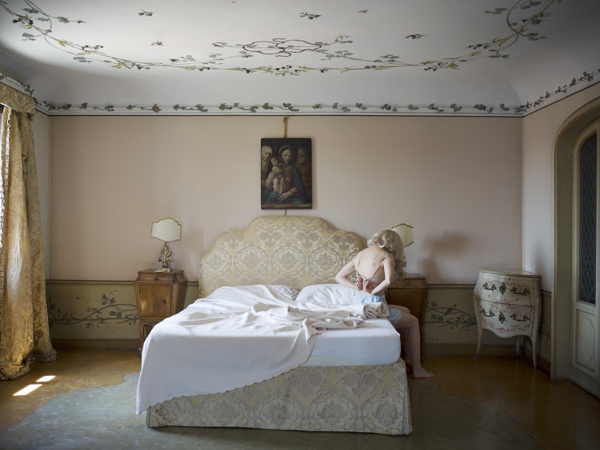 The Girl of Constant sorrow, 2016 © Anja Niemi. Courtesy of The Ravestijn Gallery.