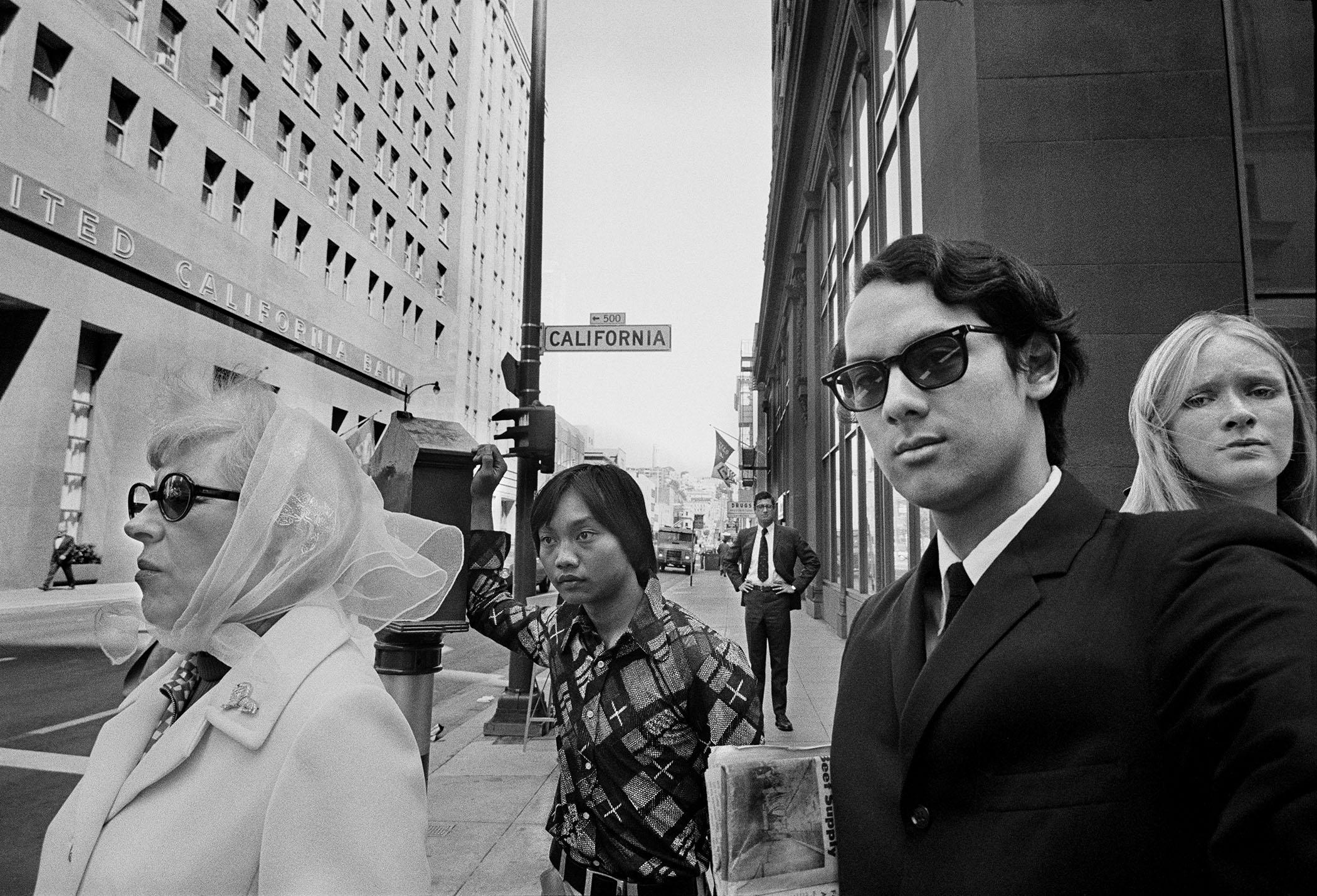 SELF-PORTRAIT, FINANCIAL DISTRICT SAN FRANCISCO, 1973 © Michael Jang