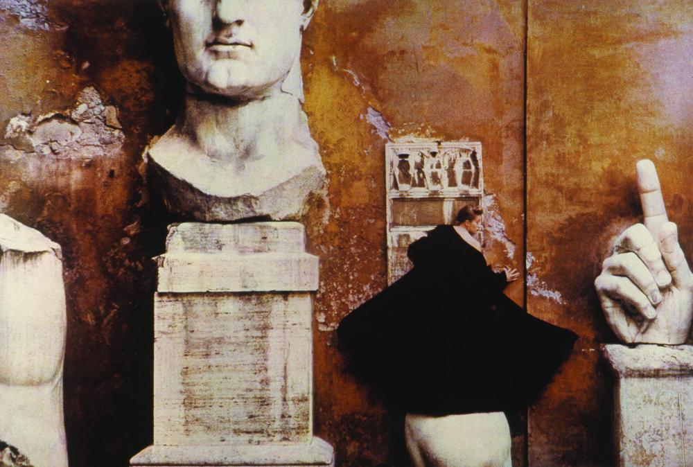 Fendi Campidoglio, 1986  ©  Sheila Metzner