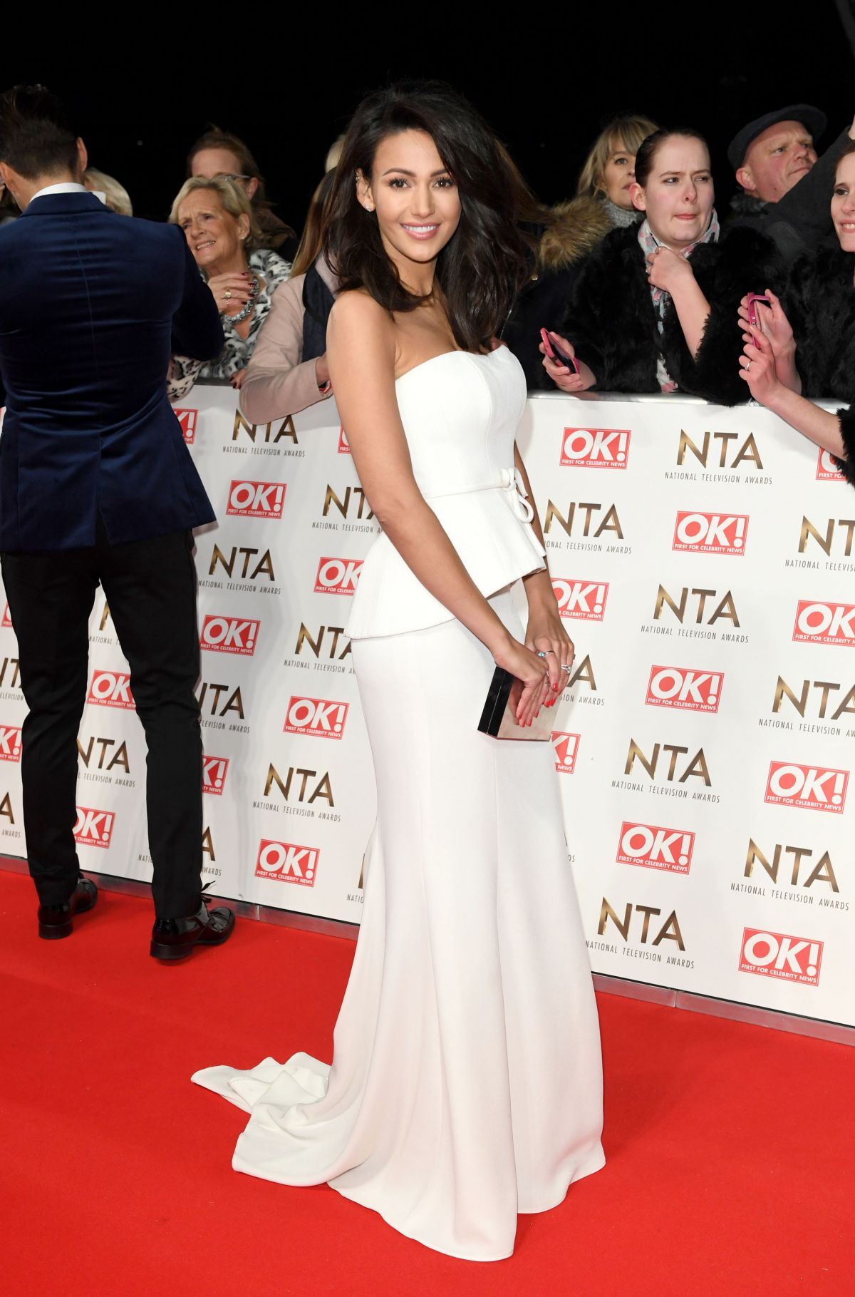 michelle-keegan-at-national-television-awards-in-london-01-25-2017_6.jpg