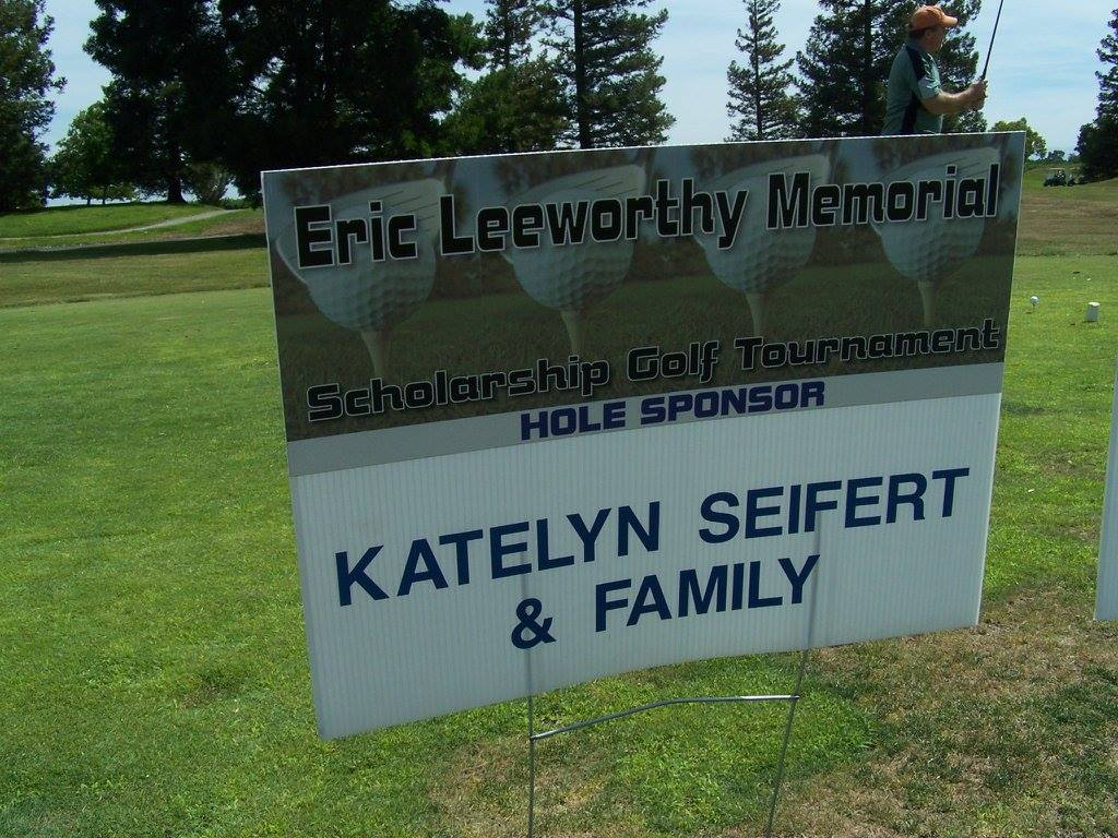 Katelyn Seifert and Family Hole Sponsor.jpg