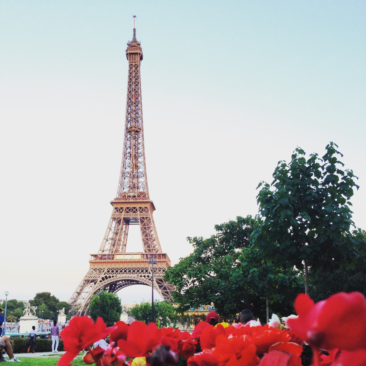 EXPERIENCE THE BEAUTY OF PARIS