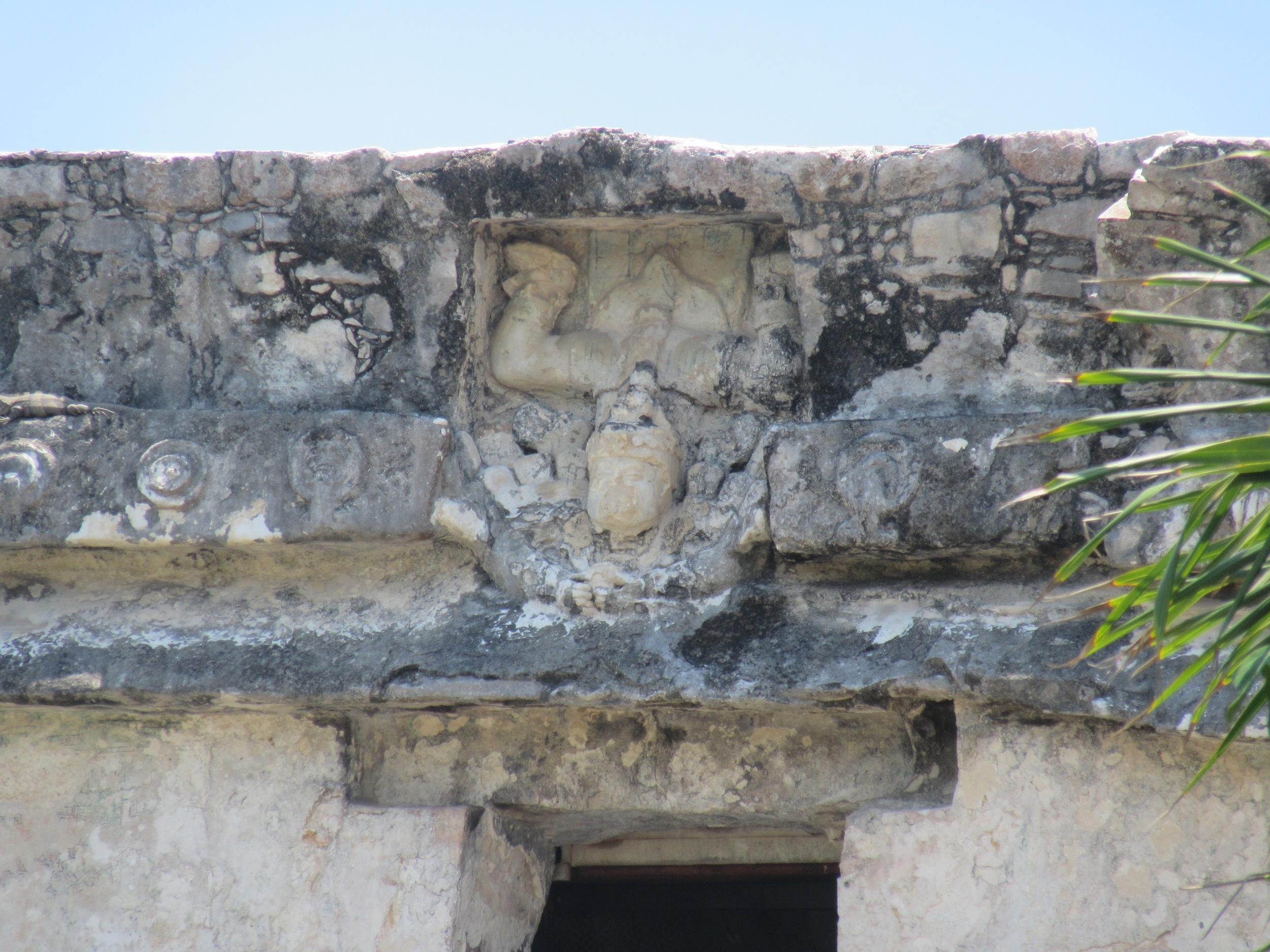 ONE OF THE MAIN FRESCOS ON EL CASTILLO