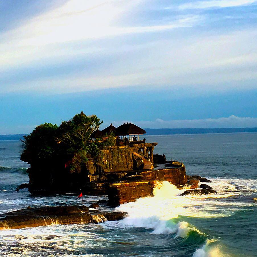 TANAH LOT- THE TEMPLE IN THE SEA