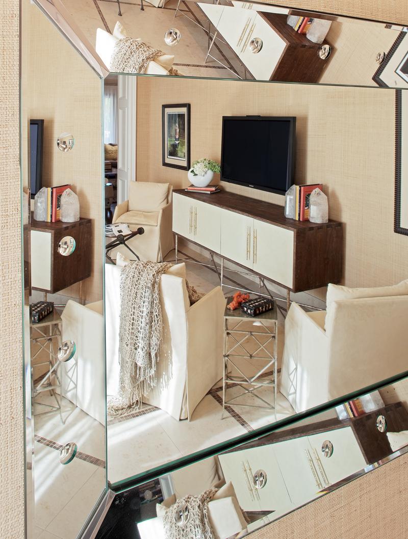 Jamie Herzlinger - Caron Street - Family Room.jpg