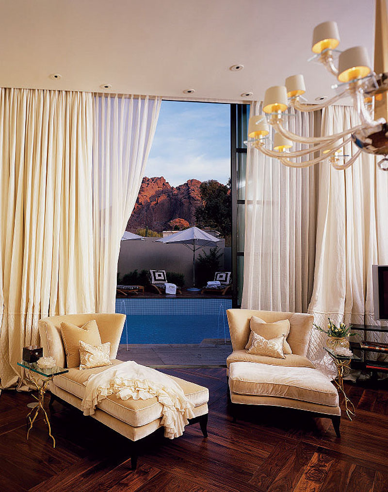 Jamie Herzlinger - Salono - Master Bedroom Sitting.jpg