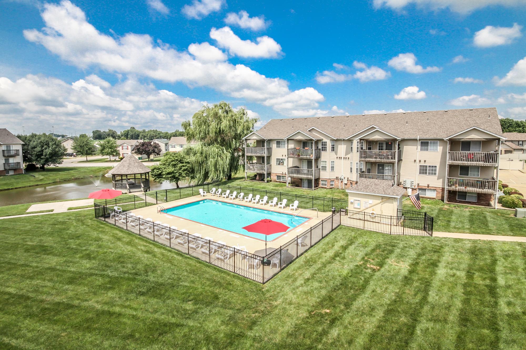 Brookside-Apartments-O'Fallon-Illinois-Pool-1.jpg