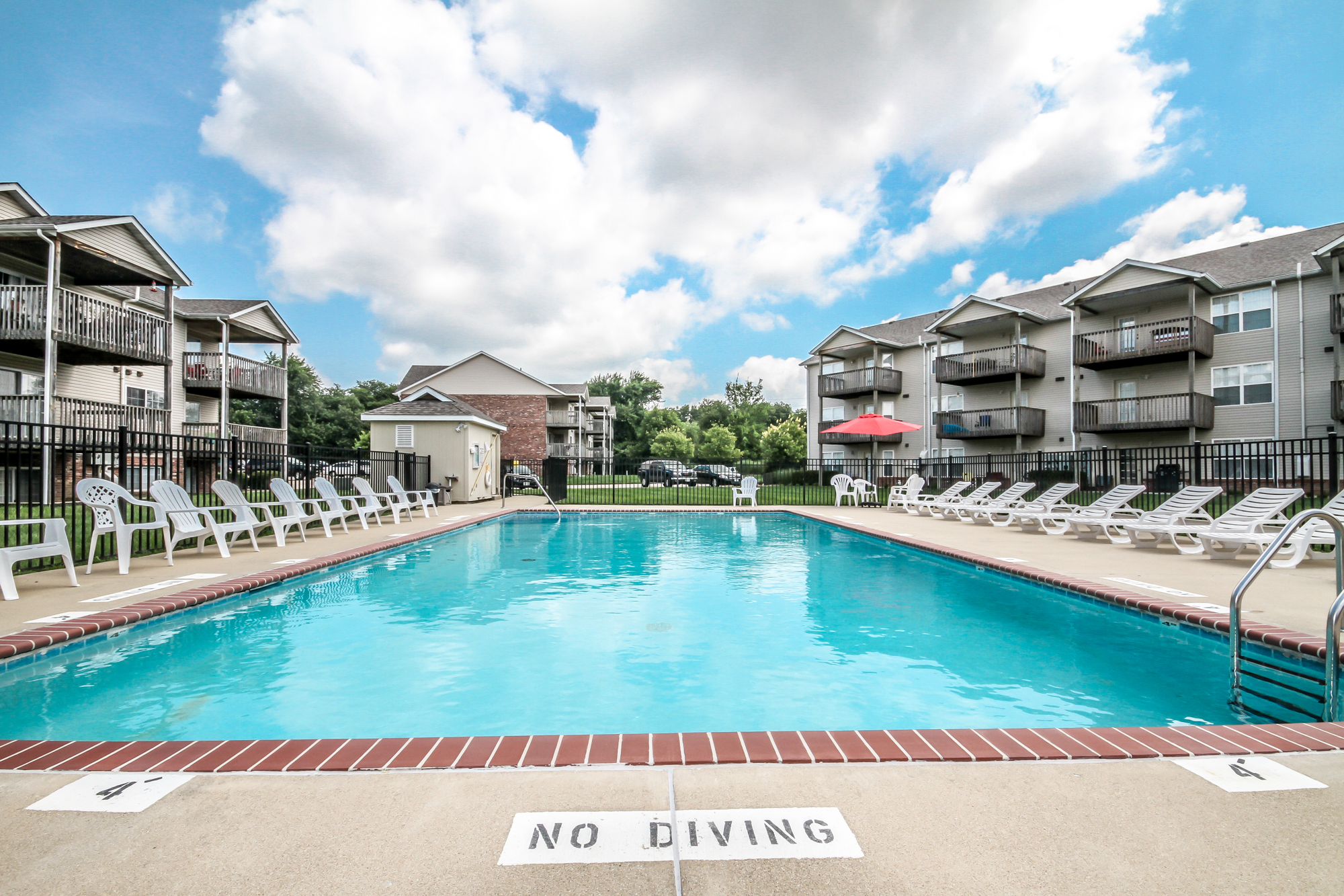 Brookside-Apartments-O'Fallon-Illinois-Pool-4.jpg