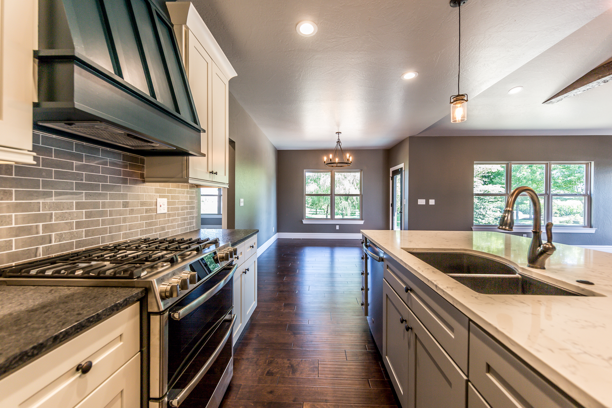 Home_For_Sale_O'Fallon_Illinois_Scott_AFB_CR_Holland-12.jpg