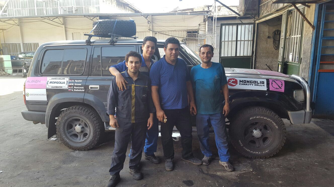 The team of mechanics that fixed our car