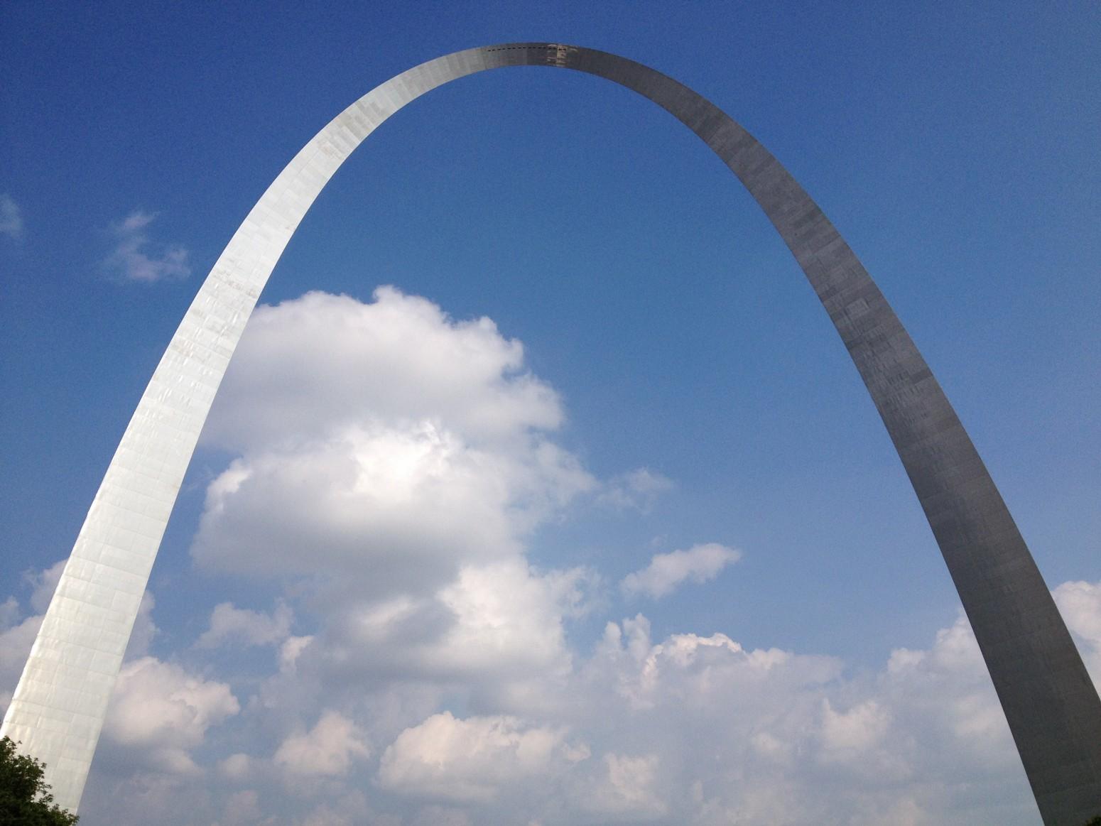 St.-Louis-Gateway-to-the-West-e1408726164451.jpg