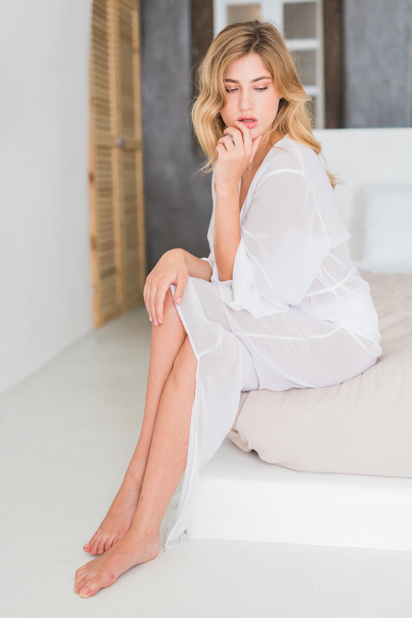 Suzanne_Li_photography_WEDDING_greece_lingerie-1.jpg